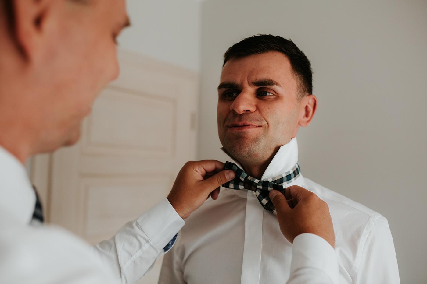 Anna & Wojtek - Ślub cywilny w plenerze - Barnówko w Sam Las 15