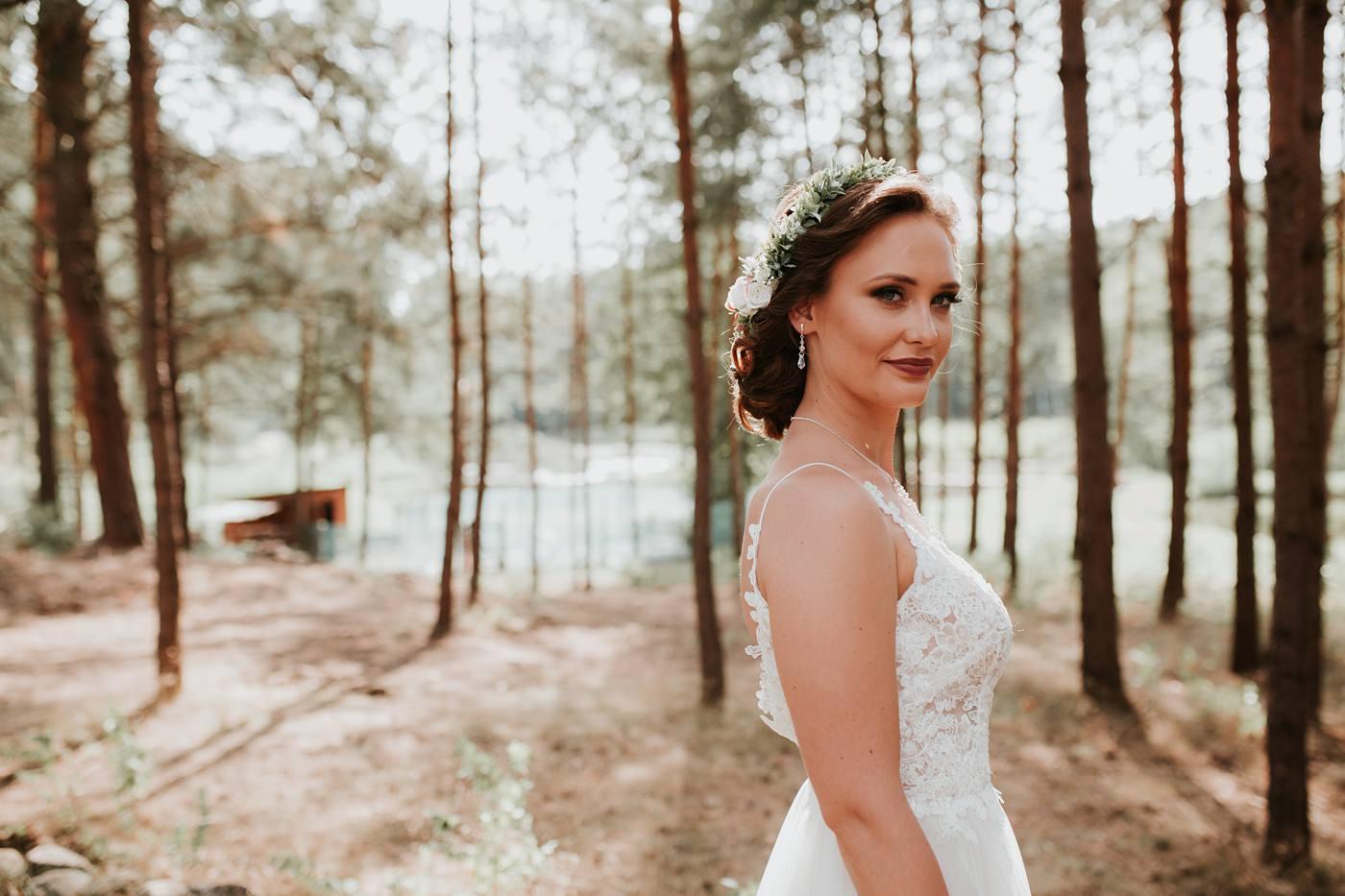 Anna & Wojtek - Ślub cywilny w plenerze - Barnówko w Sam Las 37