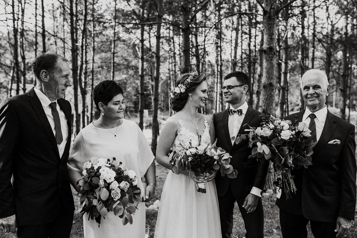 Anna & Wojtek - Ślub cywilny w plenerze - Barnówko w Sam Las 48