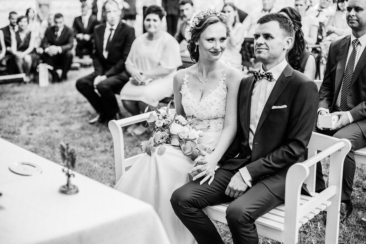Anna & Wojtek - Ślub cywilny w plenerze - Barnówko w Sam Las 57