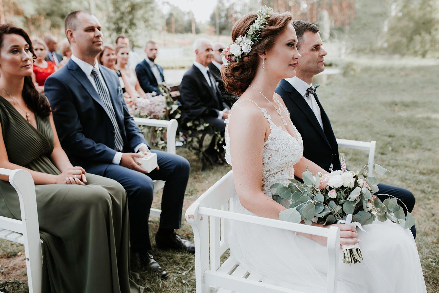 Anna & Wojtek - Ślub cywilny w plenerze - Barnówko w Sam Las 59