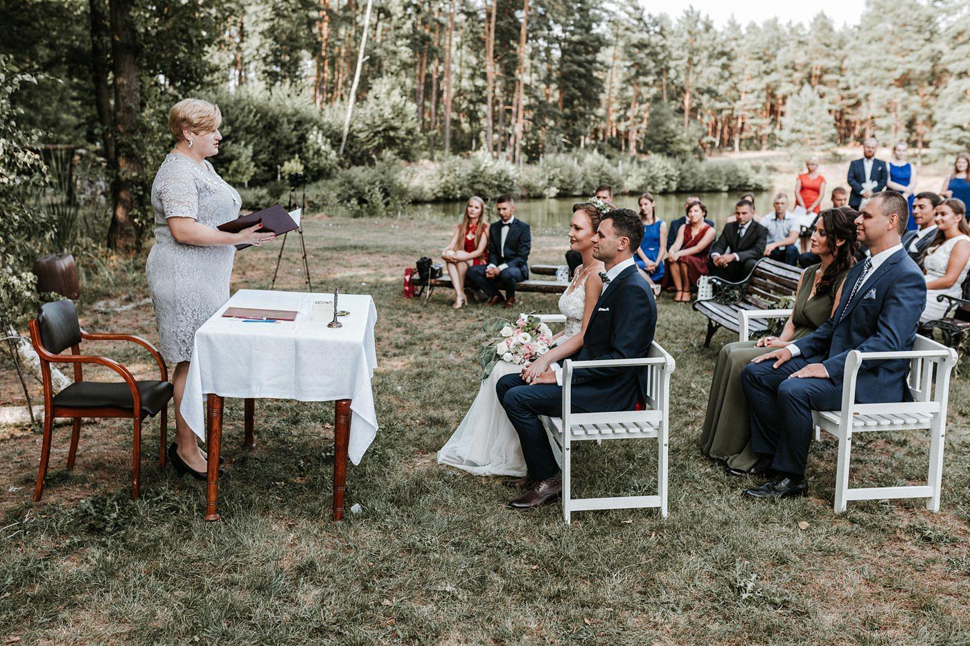 Anna & Wojtek - Ślub cywilny w plenerze - Barnówko w Sam Las 68