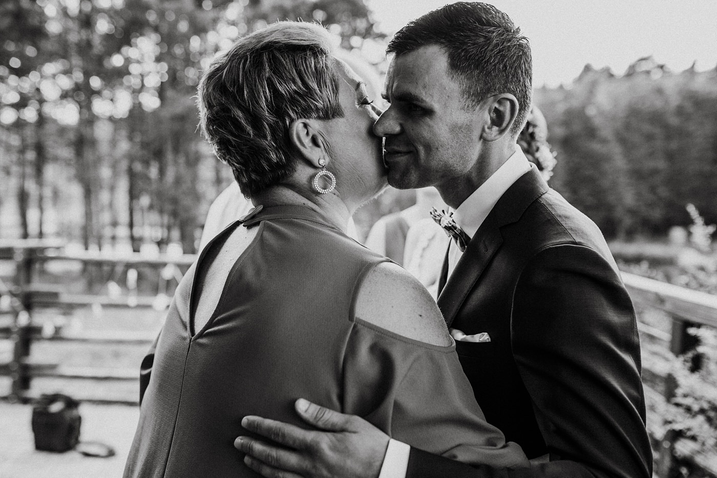 Anna & Wojtek - Ślub cywilny w plenerze - Barnówko w Sam Las 72