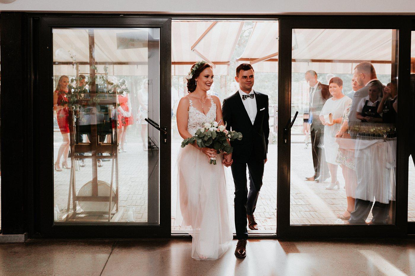 Anna & Wojtek - Ślub cywilny w plenerze - Barnówko w Sam Las 73