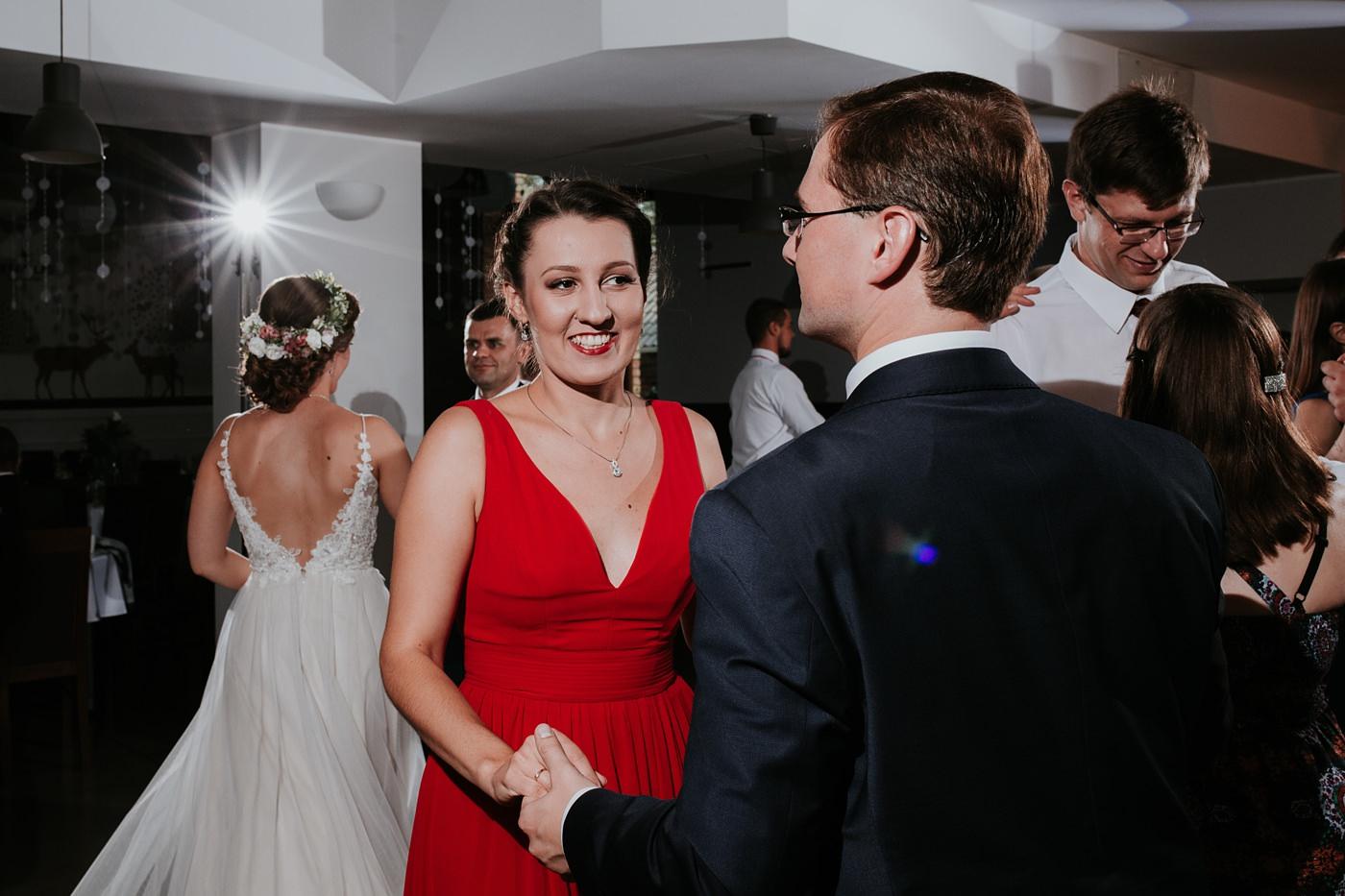 Anna & Wojtek - Ślub cywilny w plenerze - Barnówko w Sam Las 81