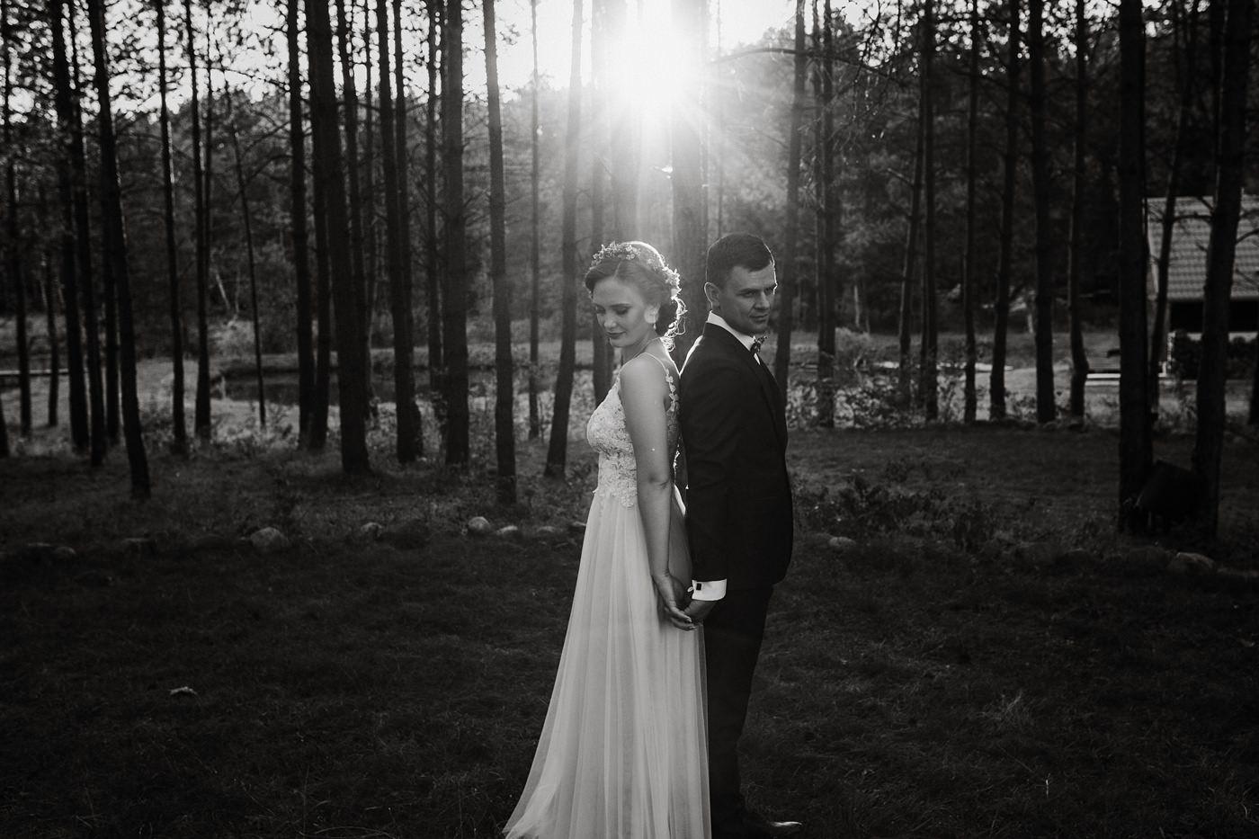 Anna & Wojtek - Ślub cywilny w plenerze - Barnówko w Sam Las 84