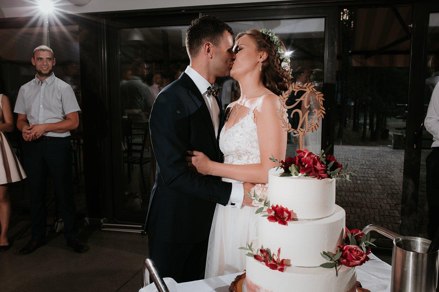 Anna & Wojtek - Ślub cywilny w plenerze - Barnówko w Sam Las 95