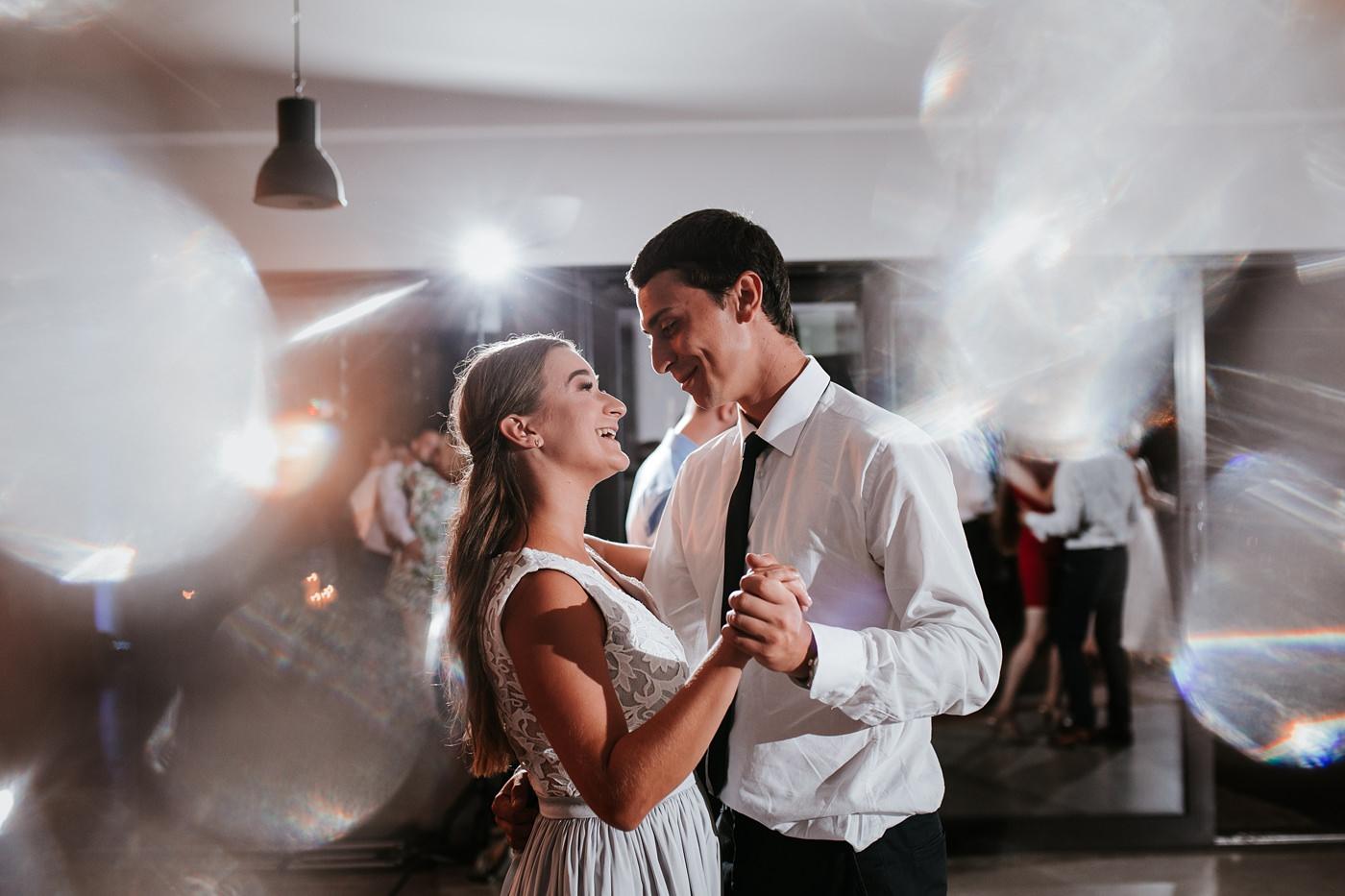 Anna & Wojtek - Ślub cywilny w plenerze - Barnówko w Sam Las 104
