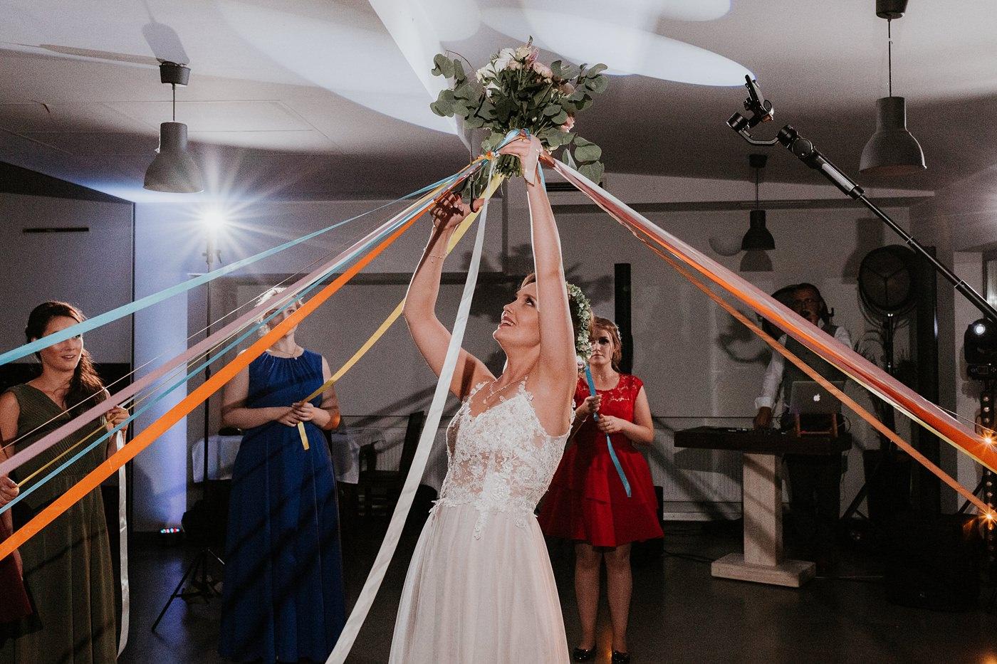 Anna & Wojtek - Ślub cywilny w plenerze - Barnówko w Sam Las 112